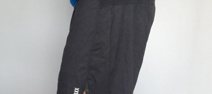 Short Pilot 2 en 1 SAXX : De l'underwear innovant en pleine montagne !