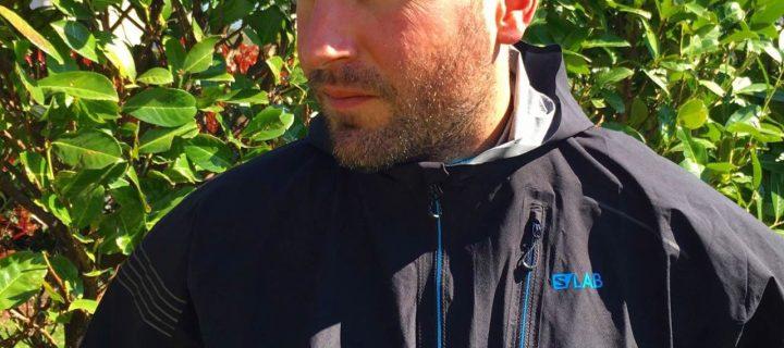 Salomon S/Lab MotionFit 360 Jacket : Ultra Légère, Ultra Minimaliste, Ultra Protectrice, Ultra Imperméable… Elaborée et pensée pour l'Ultra !